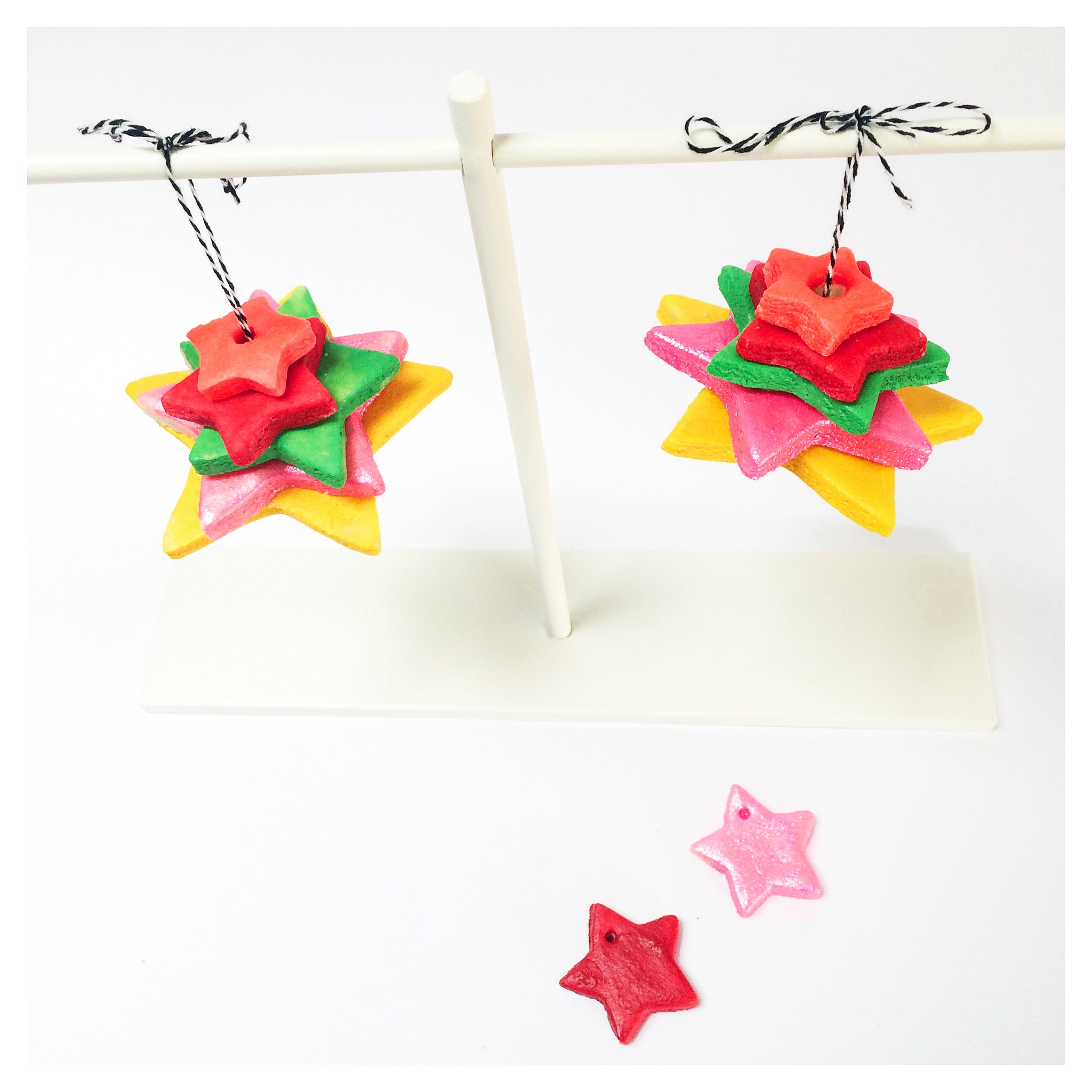 4 Simple Christmas Crafts for Kids
