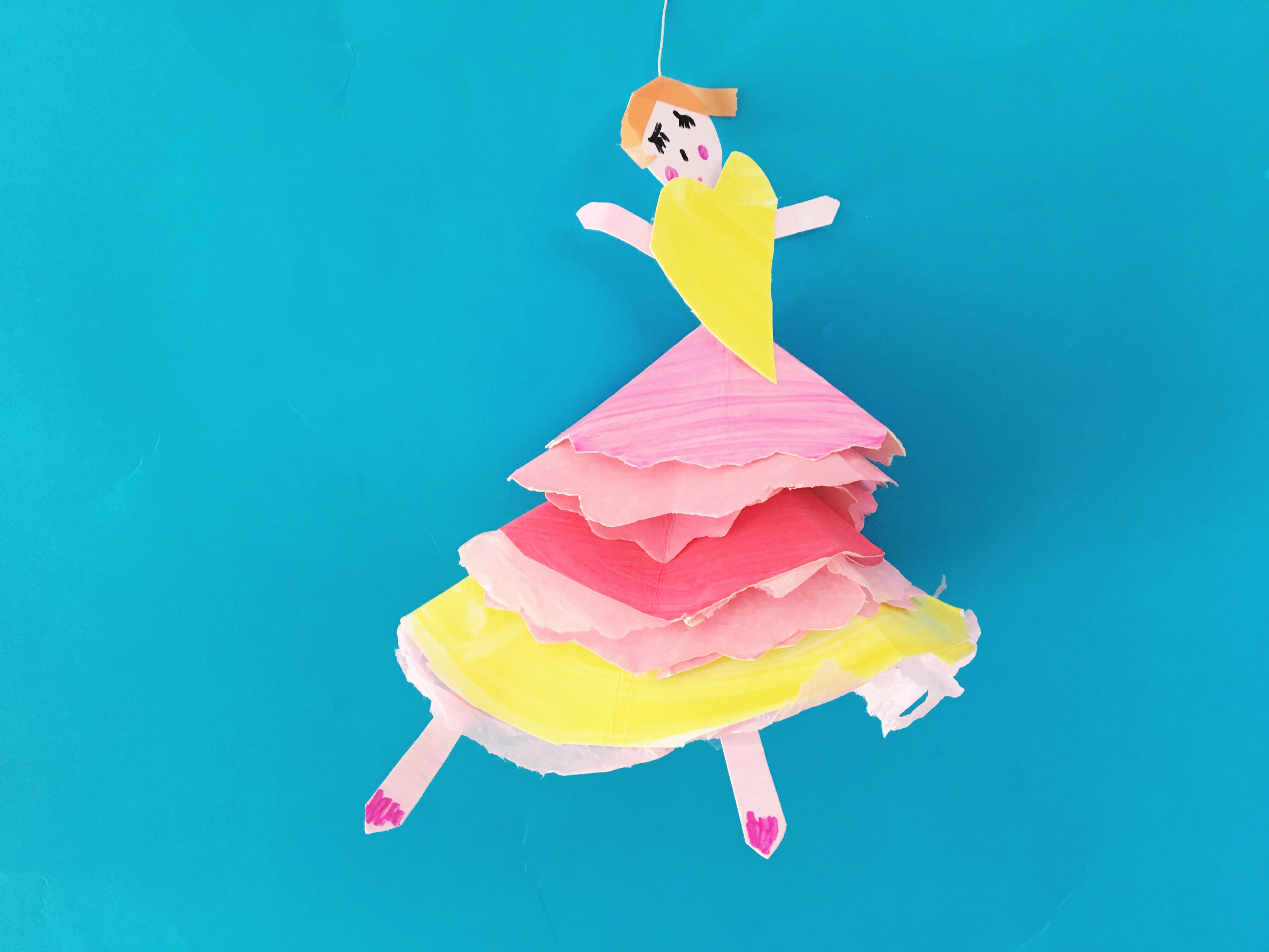 Make graceful ballerina puppets out of paper plates. A simple kids craft for the little dance-lover!