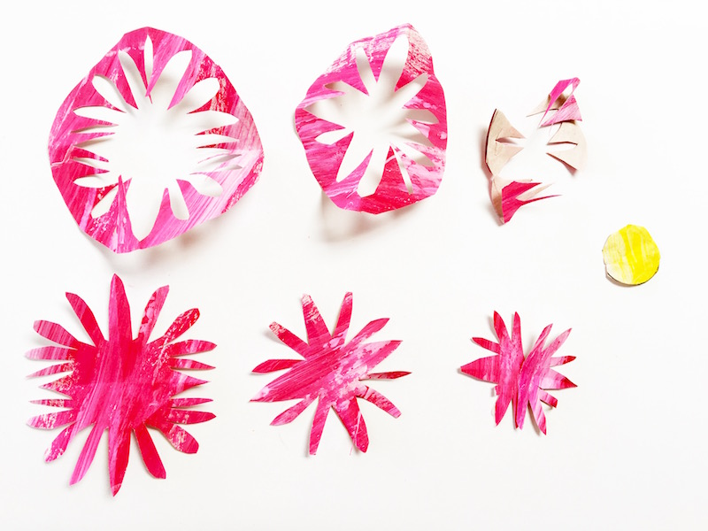 How to make your own paper flowers. A perfect Spring craft!