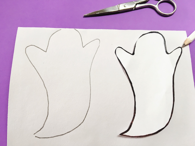 Print the free ghost template and Ghostbusters gift tag for a ghostly Halloween candy favour.